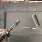Viktigste verktøy: Jotun Ultimate 25 mm skrå pensel og skumrull.