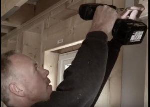 Tømrer Bjørn Nordskaug har testet Essdrive-skruen.