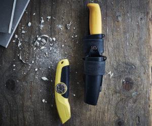 SK tollekniv og USRA fjærbelastet universalkniv.