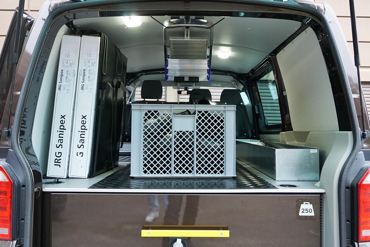 Loyd gardintrappholder og Smartfloor innredning