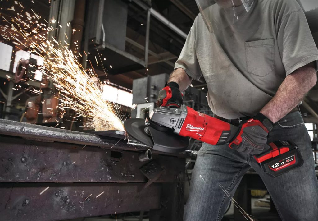 Milwaukee M18 Fuel 230 mm vinkelsliper.