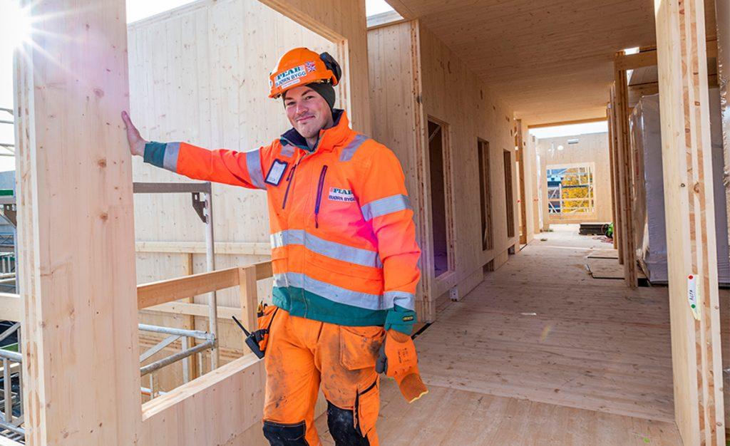 Jonas Angel Hansen er håndverker i Peab Bjørn Bygg.
