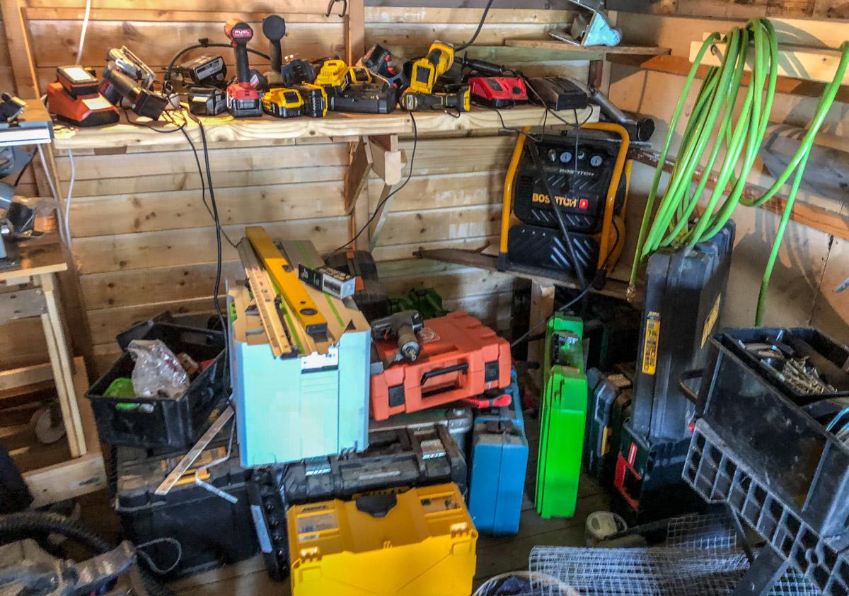 Kofferter og utstyr i løsvekt.