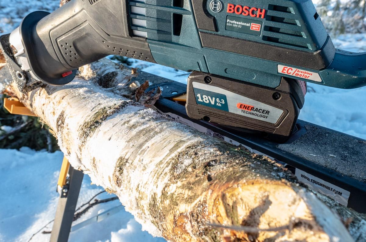 Bosch Eneracer batteri på GSA 32 bajonettsag