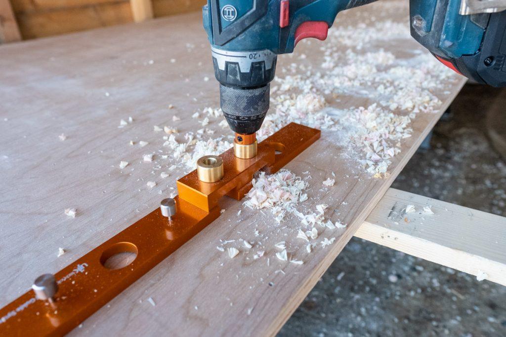 Parf Guide System er det enkelt å bore 20 mm hull i mønster til 90 og 45 graders vinkler.