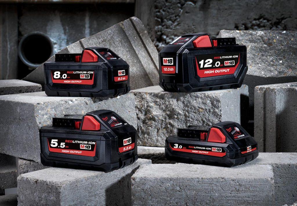 Milwaukee High Output-batterier finnes nå i fire størrelser, fra tre til tolv Ah.
