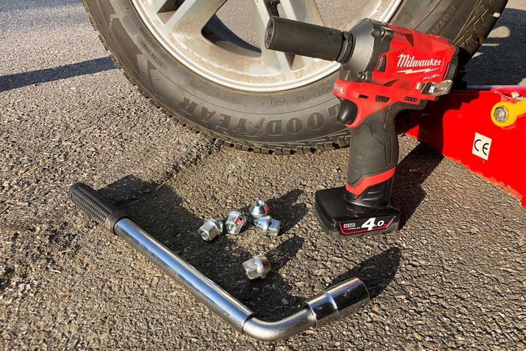 Hjulskift - muttertrekker eller nøkkel