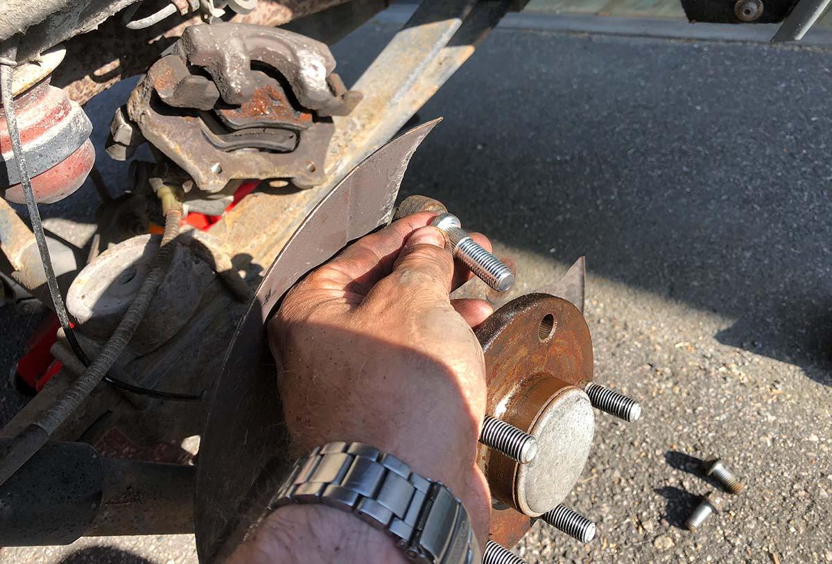 Montering av hjulbolt