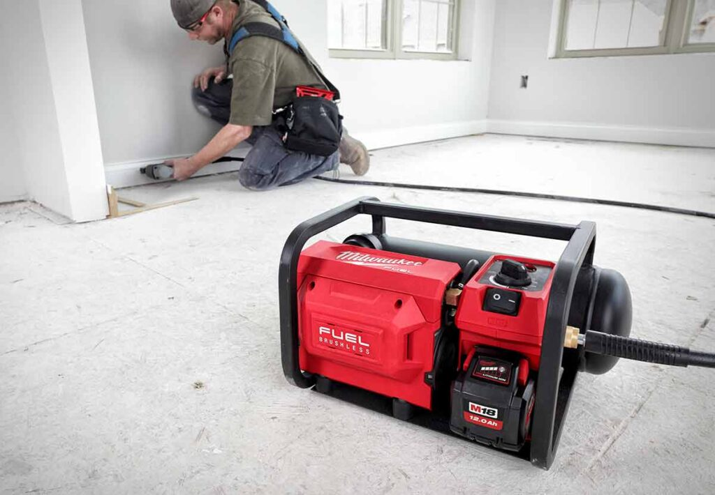Kompressor på batteri - Milwaukee M18 FAC