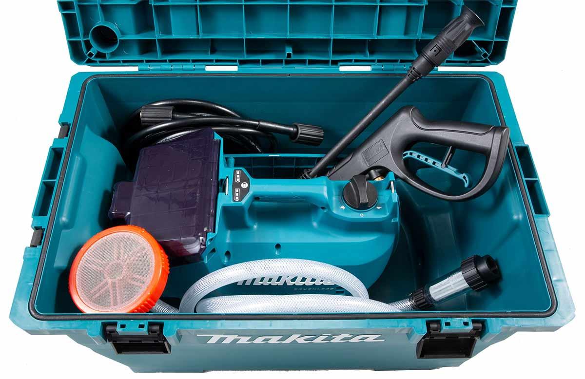 Makita DHW080 høytrykksvasker lagret i kasse