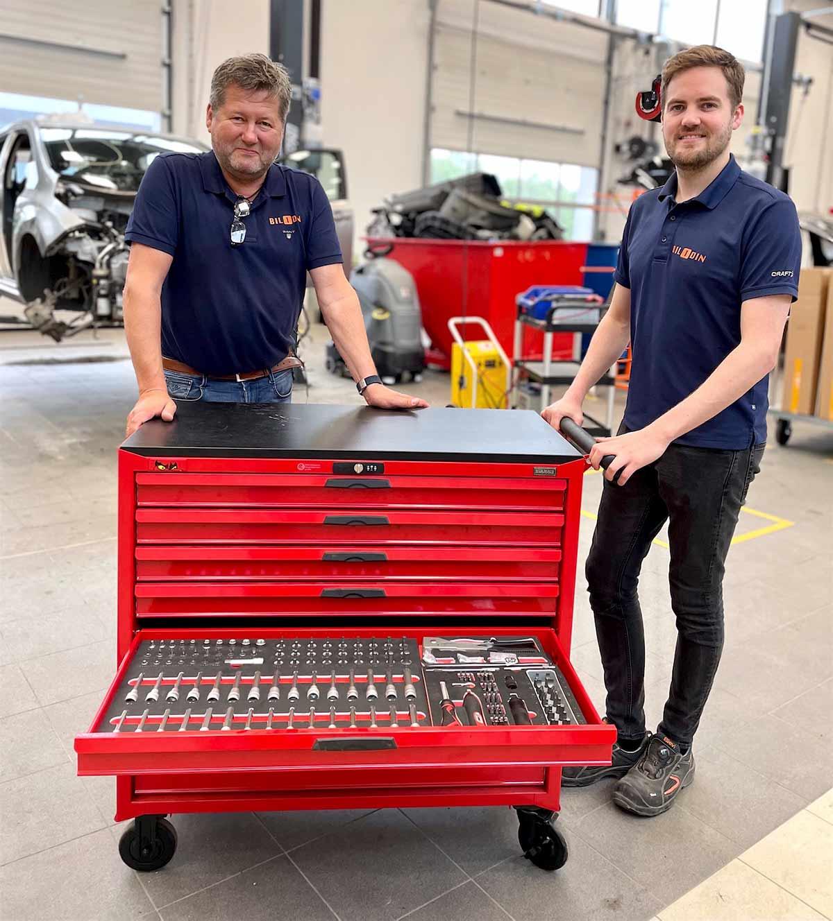 Bjarne Brøndbo og Anders Greftegreff med TengTools verktøyvogn