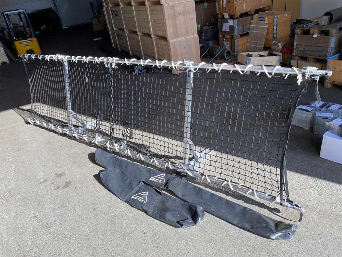 """Roofbarrier - moduler som pakkes ned i """"skiposer"""""""
